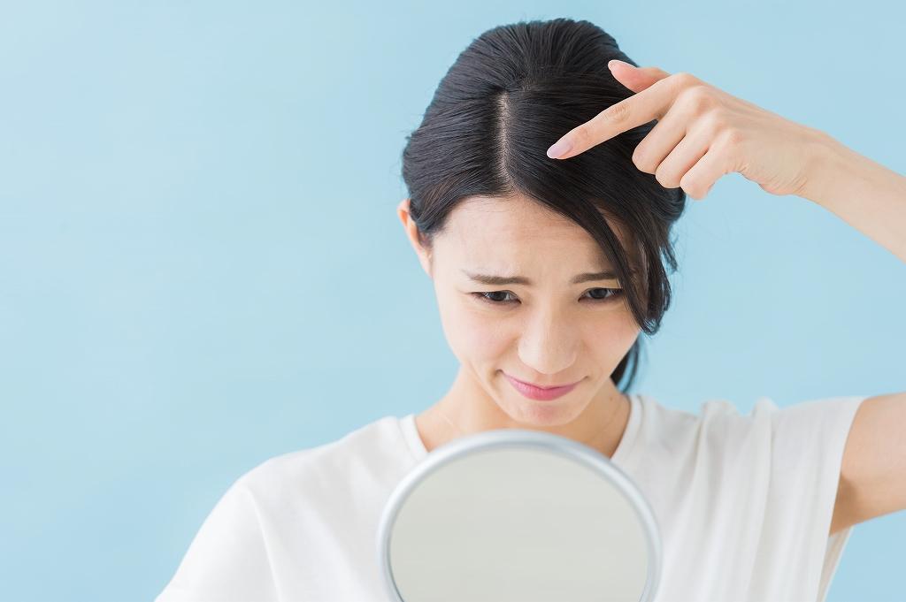 ヘッドスパで乾燥などの頭皮トラブルを改善!詳しくご紹介